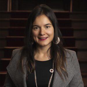 Pamela Peña  FINANZAS
